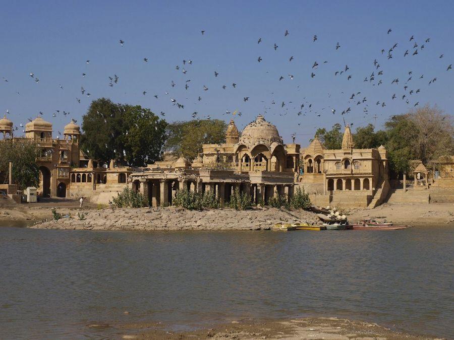 Que ver en Jaisalmer: el lago Gadi Sagar