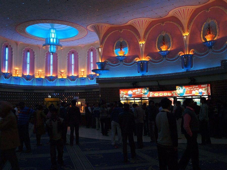 Interior del cine Raj Mandir, cafeteria