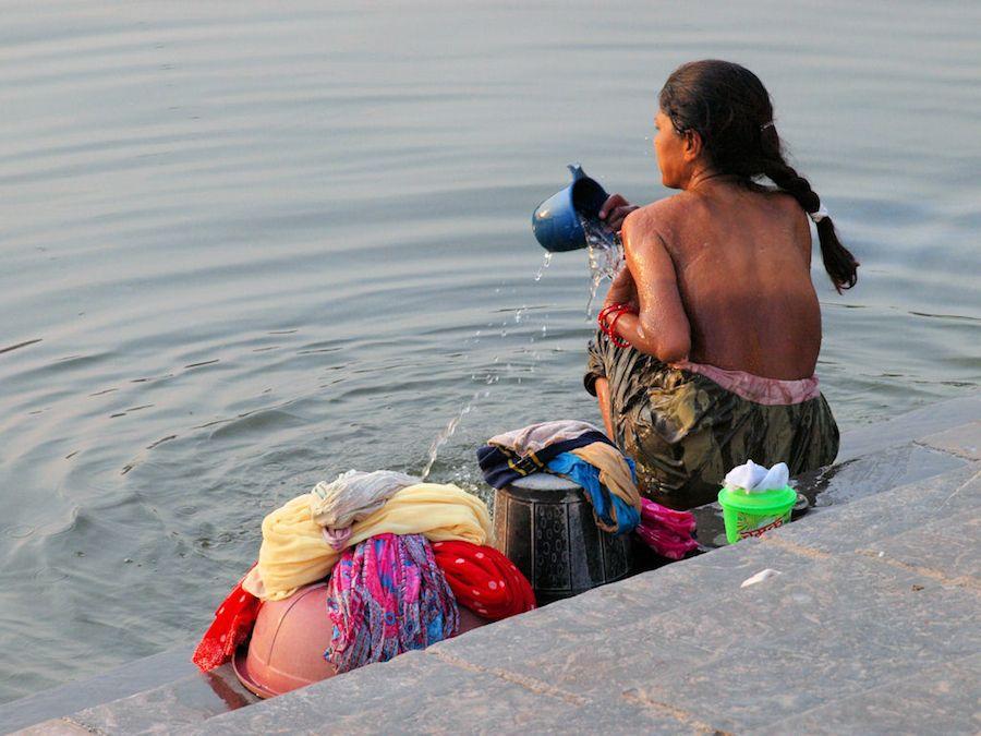 Atardecer Udaupir ghat Pichola Women