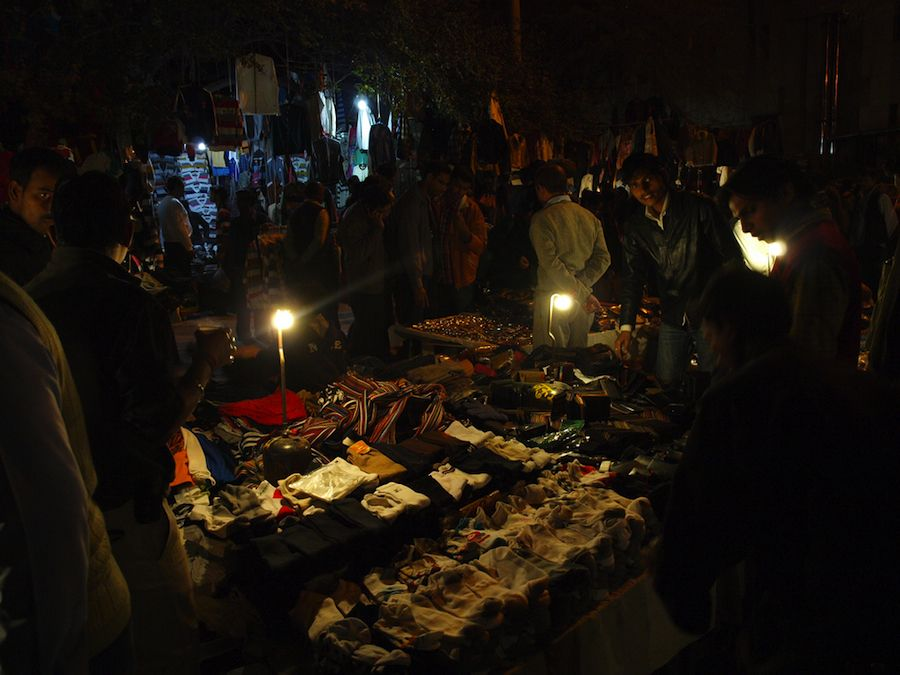 Janpath night market