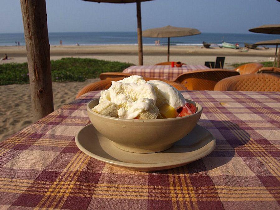 India ensalada de fruta y helado