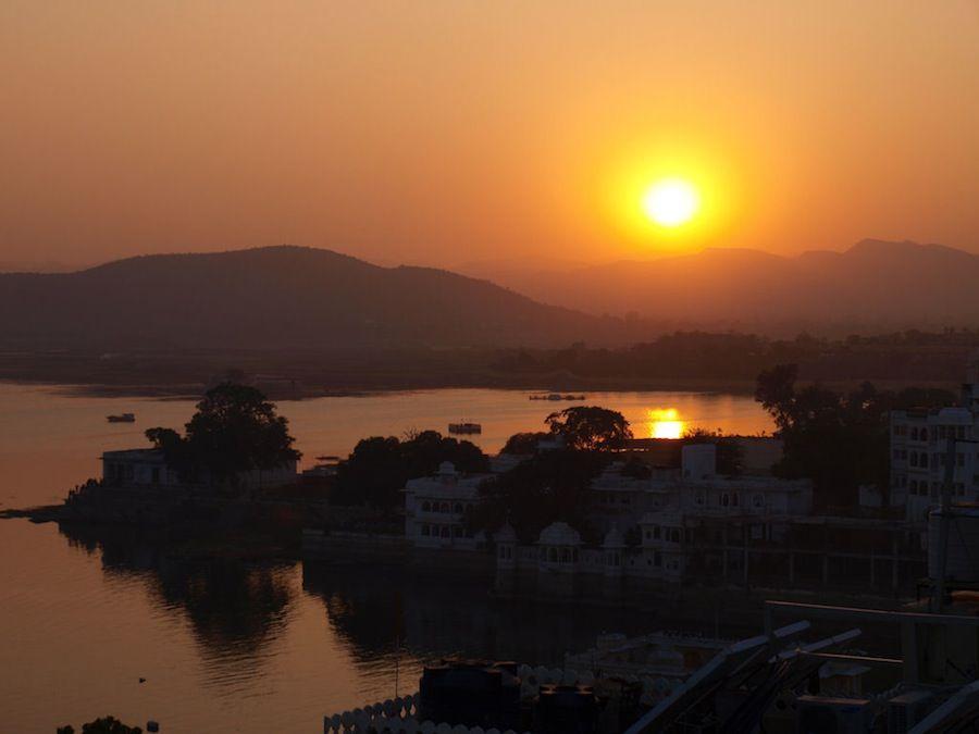 India Udaipur lago Pichola