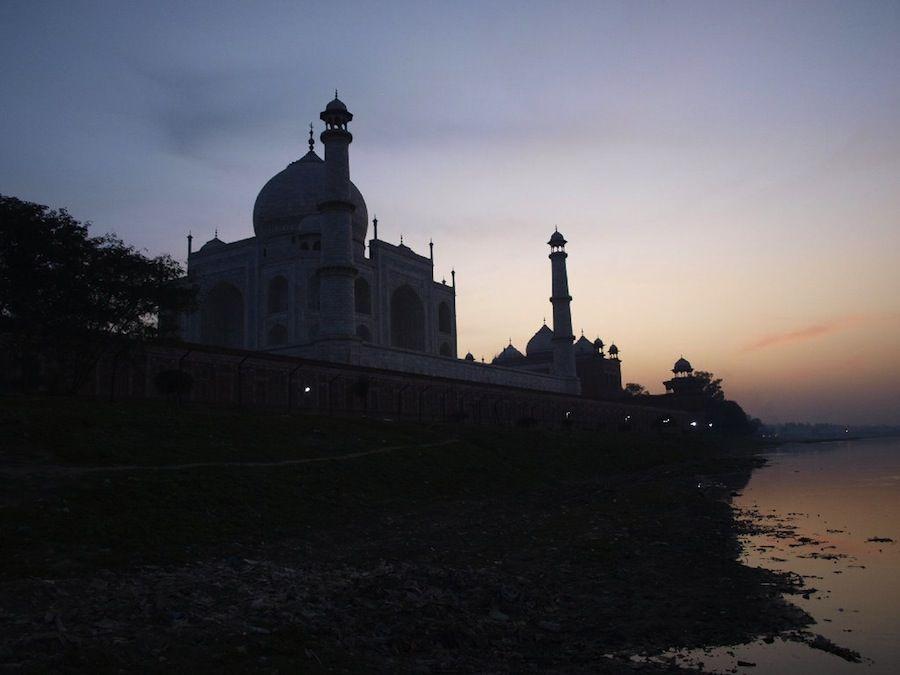 Basura en el Taj Mahal