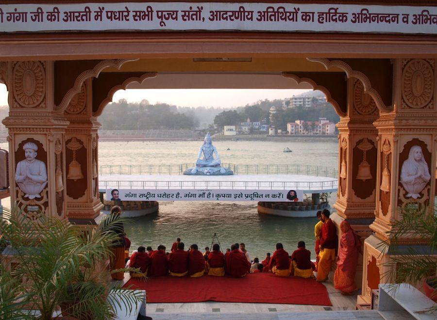 Ceremonia del fuego en Rishikesh