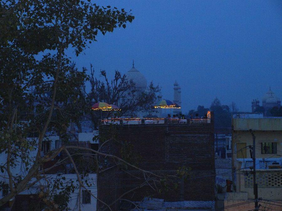 Taj Mahal de noche, India