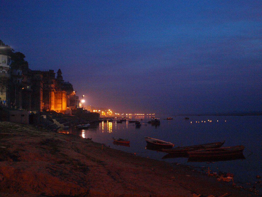 varanasi amanecer ghat barca India que hacer