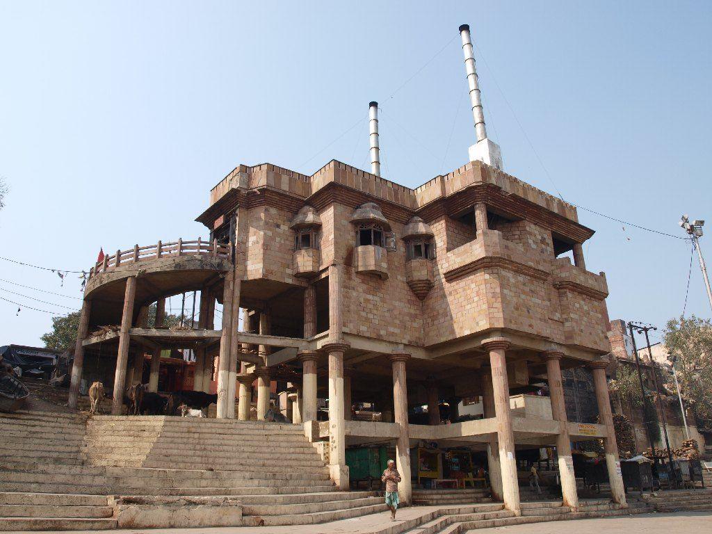 varanasi crematorio electrico india viaje