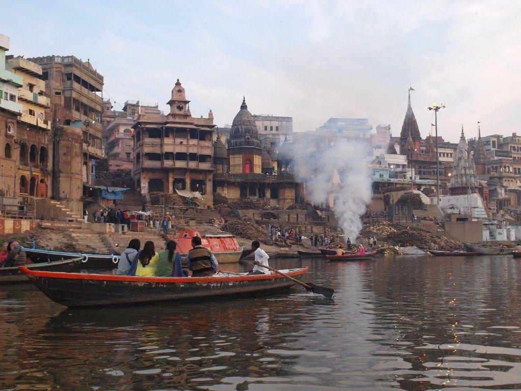 varanasi crematorio manikarnika India
