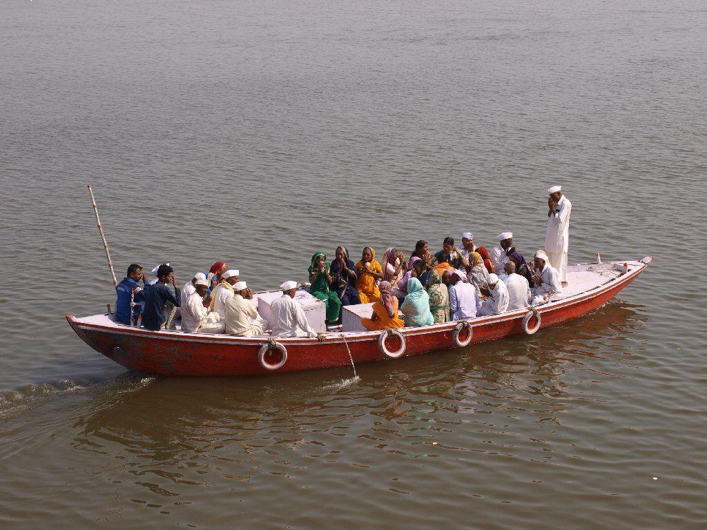 Varanasi Ganges rio oraciones India espiritualidad