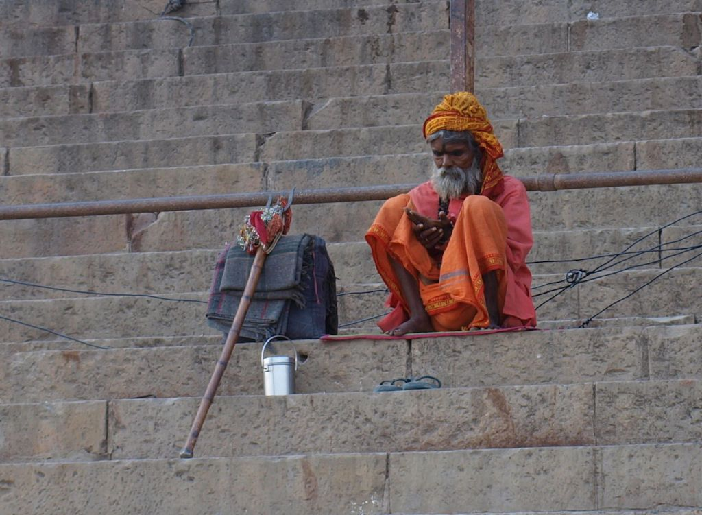 India Varanasi sadhu soledad