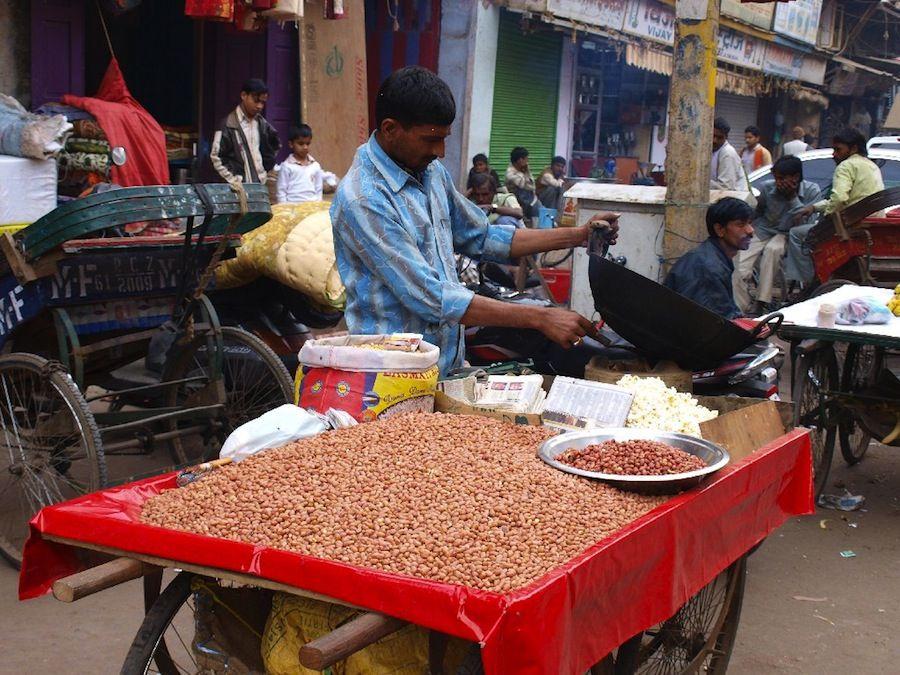 platillos, India, comida, callejero, barato, frutos secos, mochileros