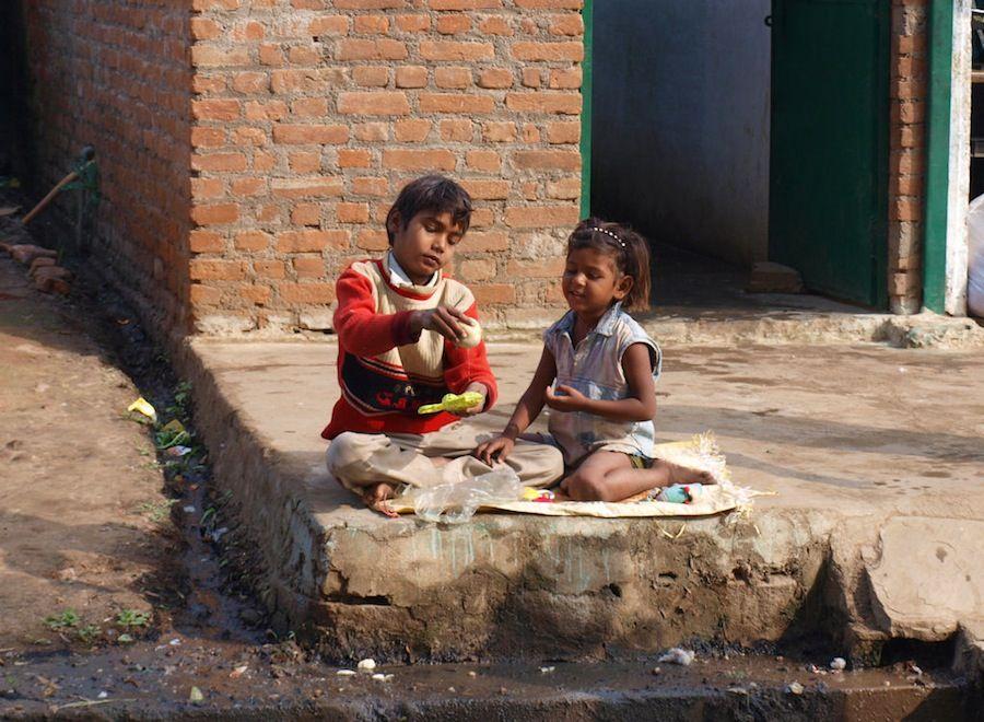 India, viaje, que ver, pueblos, Orchha, juegos, ninos