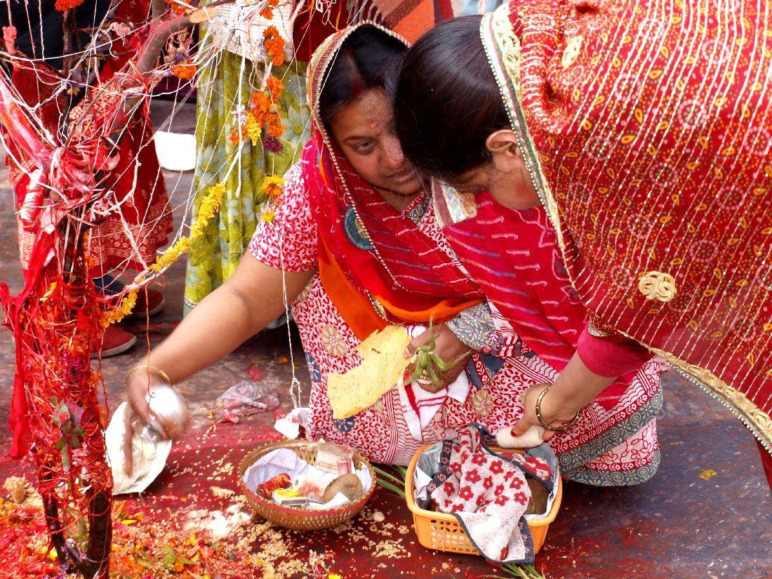 ofrendas holi festival-kathmandu