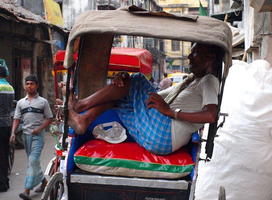 rickshaws, hombres-caballo, calcuta, kolkata, ciudad de la alegria