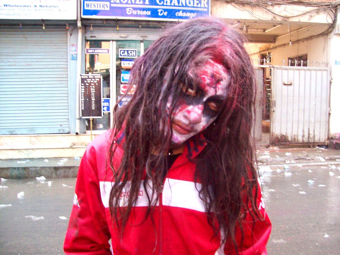 zombie-festival-holi