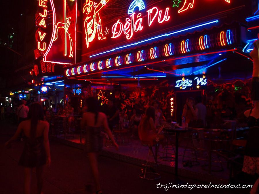 Soi Cowboy, bangkok, putas, nocturno, que hacer, barrio rojo