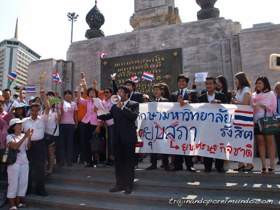 manifestacion-rosas-bangkok