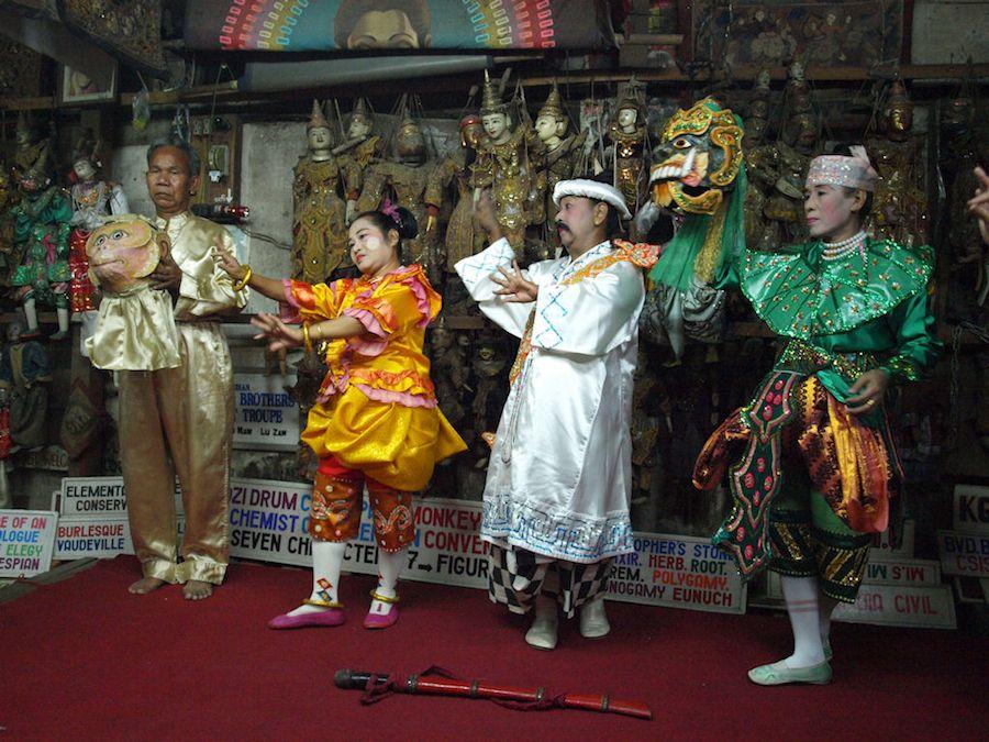 Myanmar, viaje, que ver, moustache brothers, espectaculo, dictadura