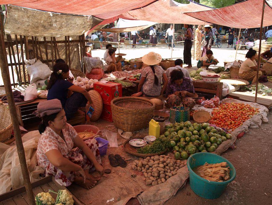 Bagan, vista, entrada, que ver, myanmar, viaje, mercado