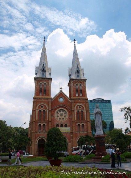 viaje a Vietnam, que ver en Saigon, caterdal, frances, notre dame, turismo, visitas