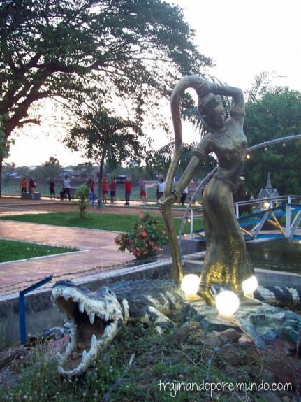 estatua,cocodrilo, camboya, viaje
