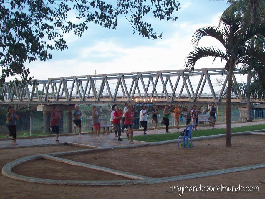 gimnasia, calle, deporte, asia, camboya