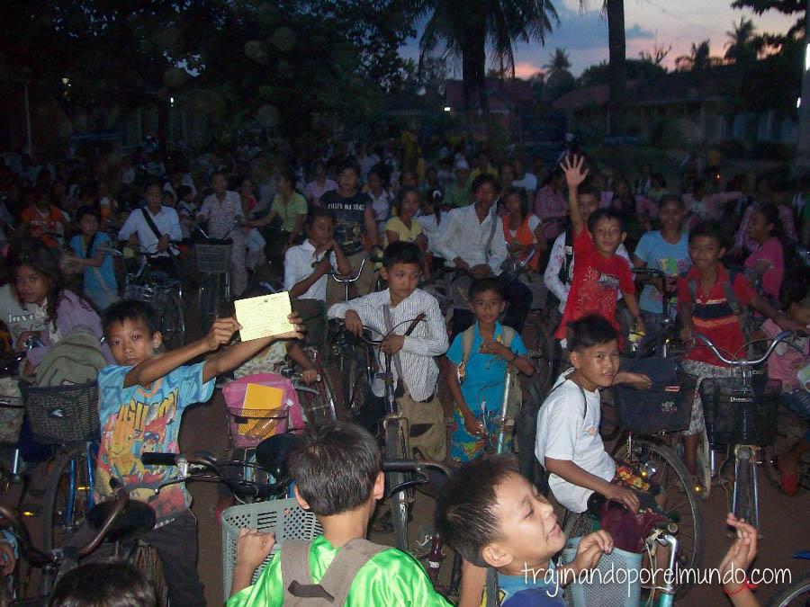 camboya, poblacion, joven, genocidio