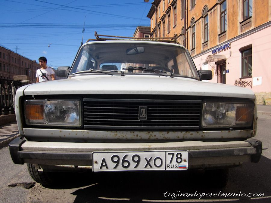 viaje a rusia, coche antiguo, san petersbugo