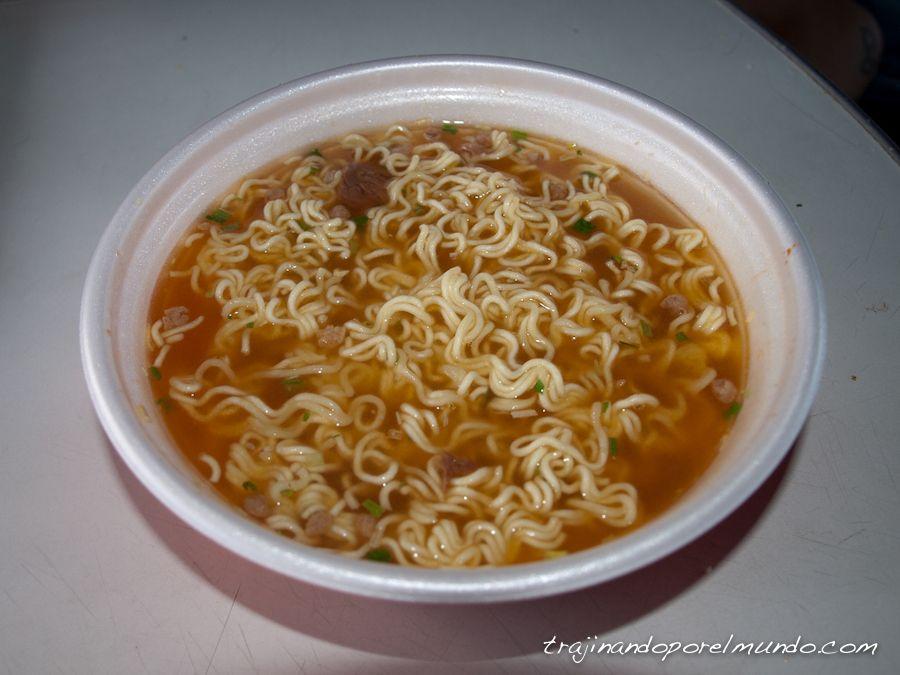 noodles, mochilero, comida, rusia, viaje, barato
