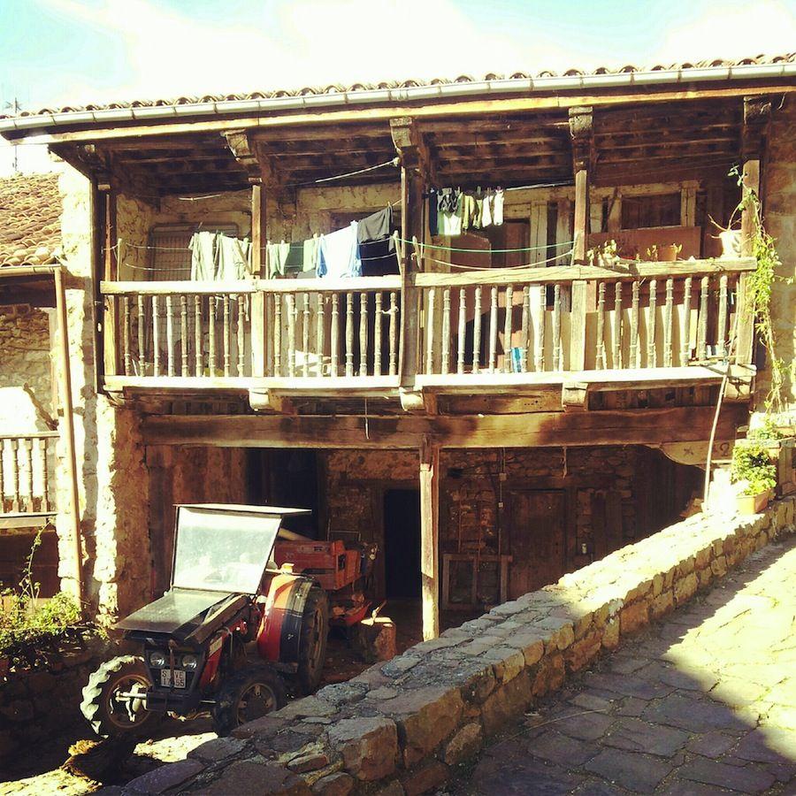Barcena Mayor tractor