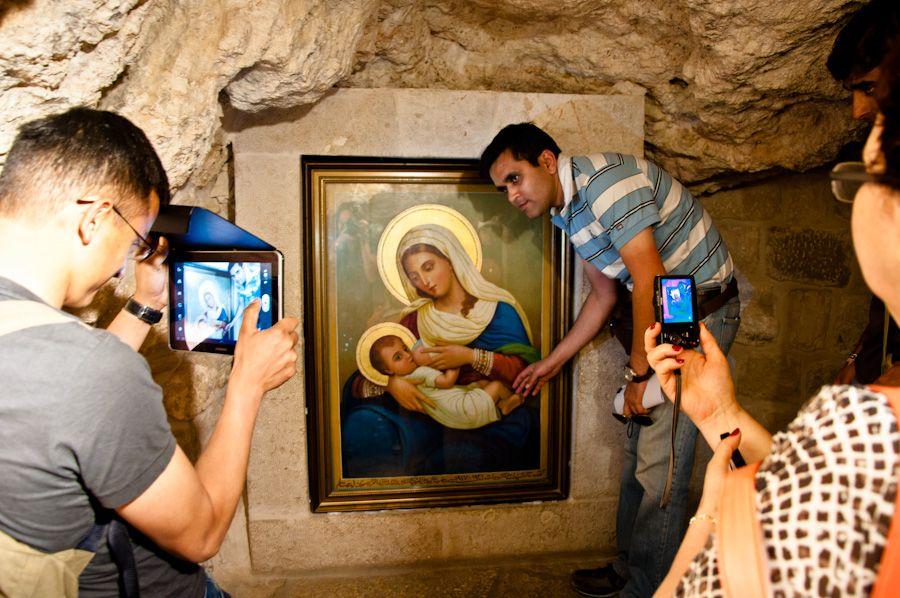 Tierra Santa, peregrinaje, iglesias, capilla, hijos, milagro, engendrar, fe,
