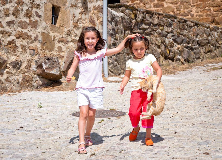 Cantabria, pueblos, rural, montaña, gato, niños, Polaciones
