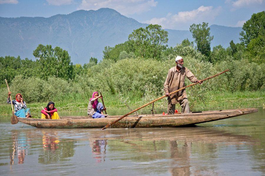 Cachemira, lago, India, paisajes, familia, barco