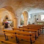 Tesoros de Cantabria: iglesias rupestres y arte románico en los Valles del Sur