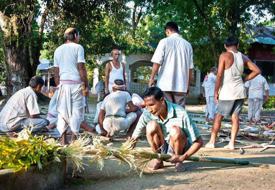 India, Bihu, Assam, satras, monasterios, celebraciones, fiestas, cosechas