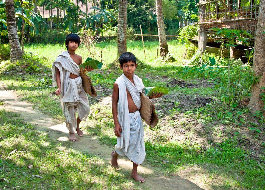 India, Assam, siete hermanas, satras, monasterios, monjes danzantes