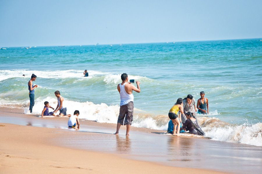 Orissa, India, beach, playa, bañarse, swimming