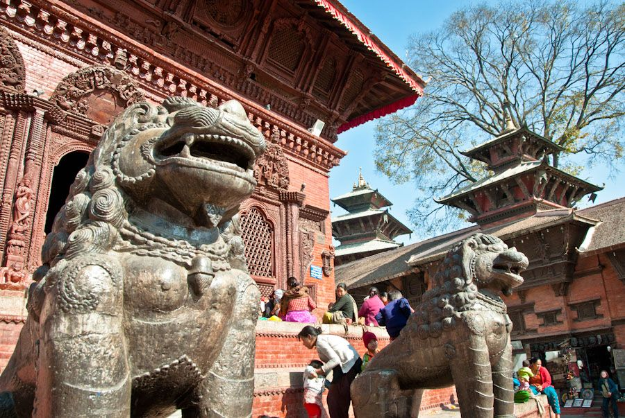 viaje, Nepal, leones, estatua, que ver, templos, square