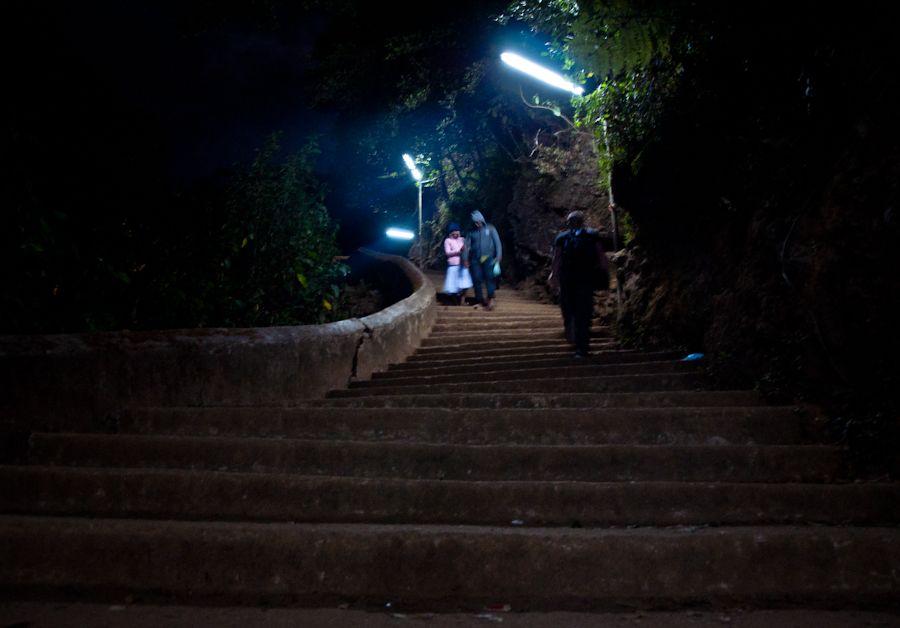 Adams Peak, escalera, subida, noche, consejos, Pico de Adan