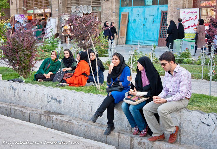 Isfahan, que ver, que hacer, helado, refresco, plaza del Iman