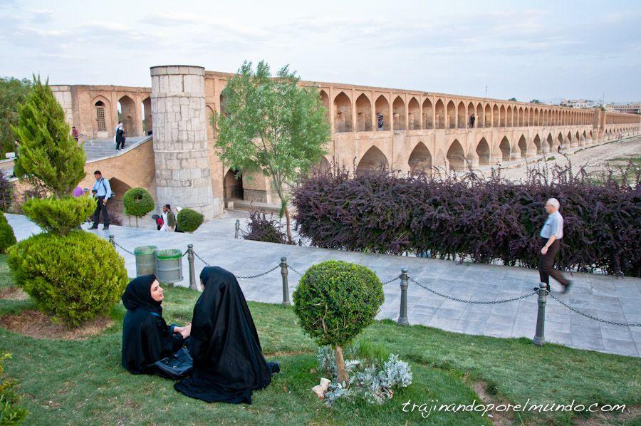 Isfahan, que ver, puentes, rio, agua
