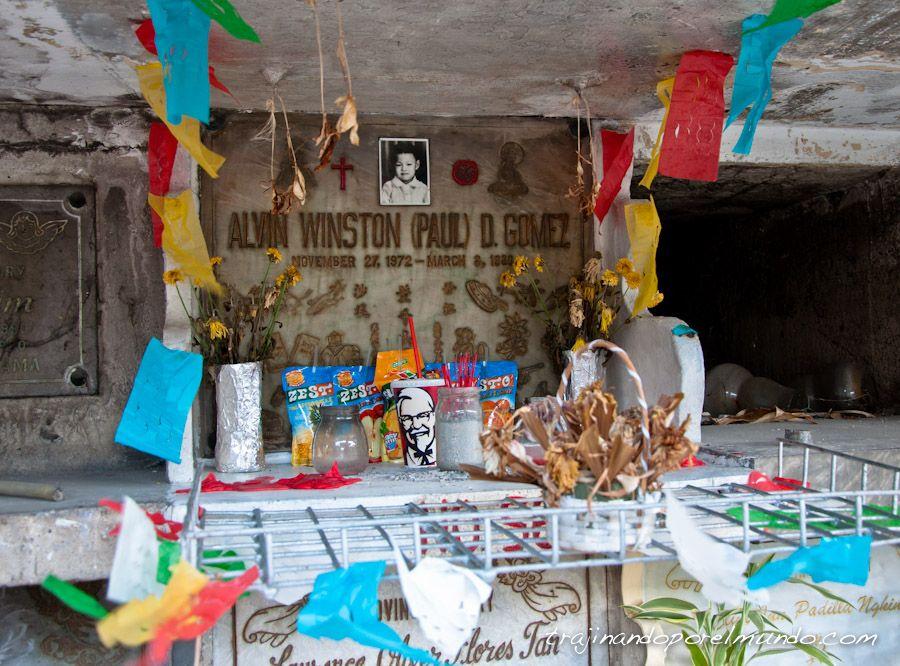 cementerio chino, niño, tumba, regalos, comida,