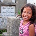 Sonrisas en el cementerio