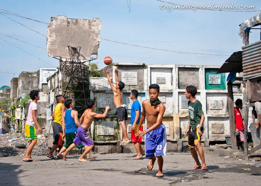 Manila, navotas, pobreza, nichos cementerio, deporte