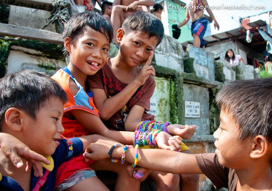 juguetes, pulseras, goma, pobreza, niños, filipinas, infancia