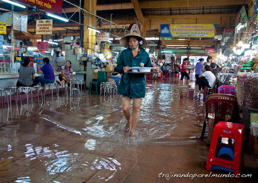 lluvias-vietnam-mercado-inundado