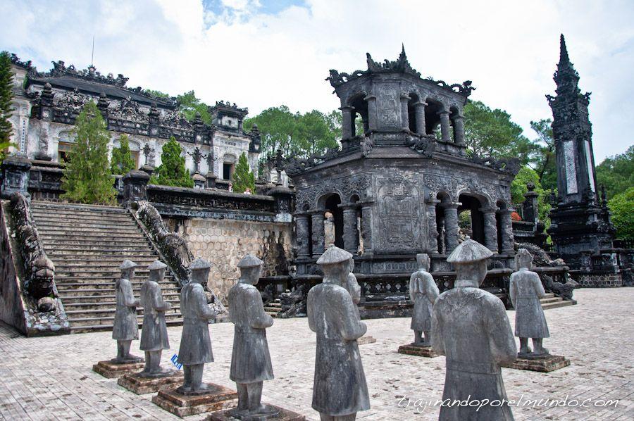 Tumba-imperial-Khai-Dinh-Hue