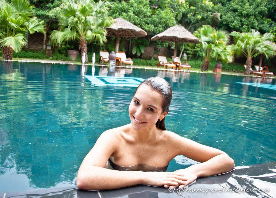 hue-hotel-pilgrimage-village-piscina