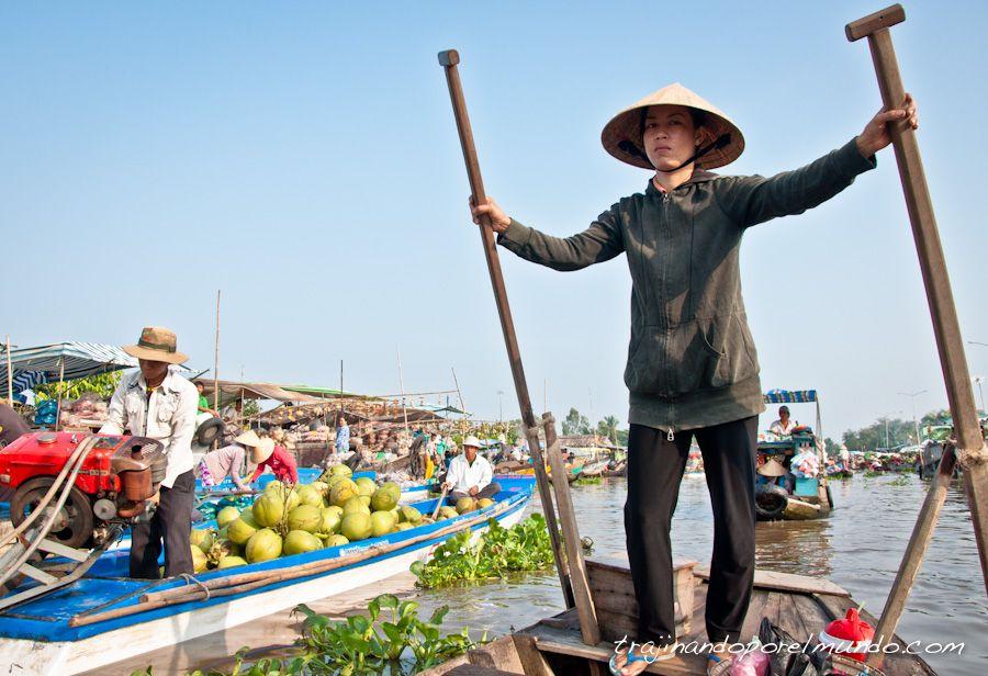 nga-nam-barca-mercado-mekong