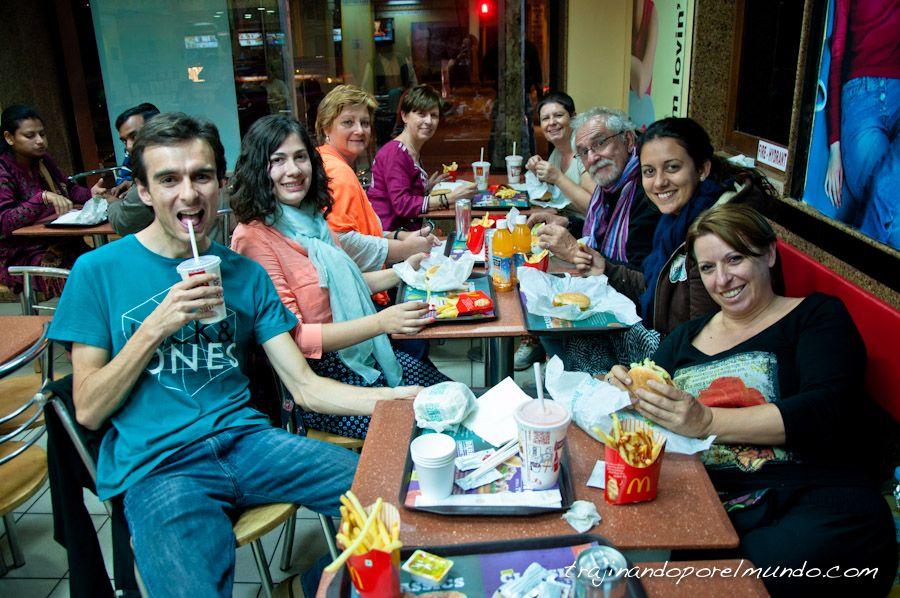McDonalds en India, hamburguesa vegetariana, comer en India